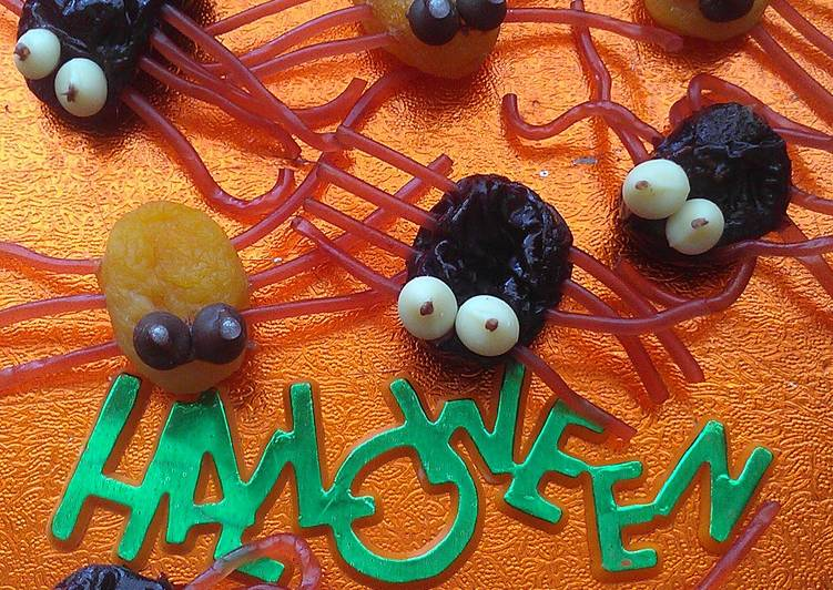 How to Make Appetizing Vickys Halloween Beetles & Spiders GF DF EF SF NF