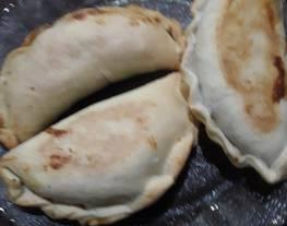 Empanadas de carne y empanadas de berenjenas