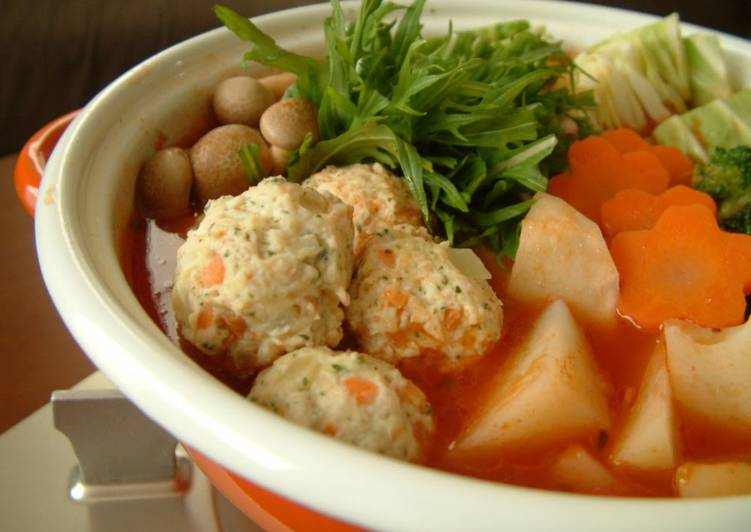 Cheesy Chicken Meatballs in a Western-Style Hot Pot
