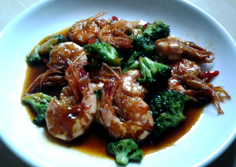 Recipe: Perfect Stirfry Shrimp and Brocolli