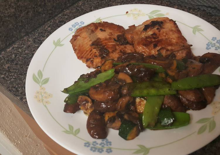Soy glazed salmon with mushrooms and  veggies