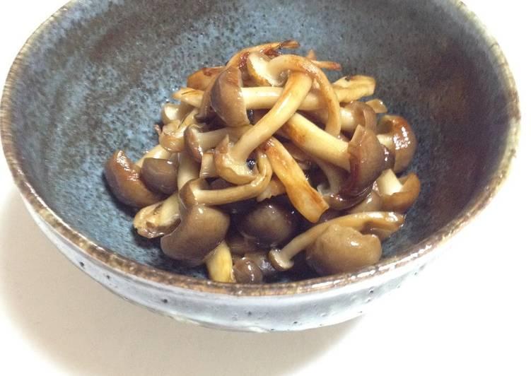 Recipe of Homemade Fried Shimeji Mushrooms with Sesame Oil