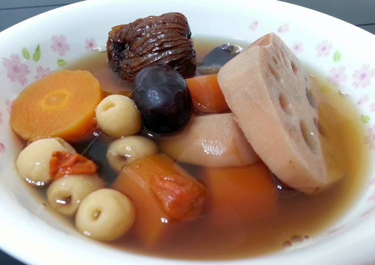 Healthy Recipe: Yummy Lotus Root And Carot Soup /Vegan