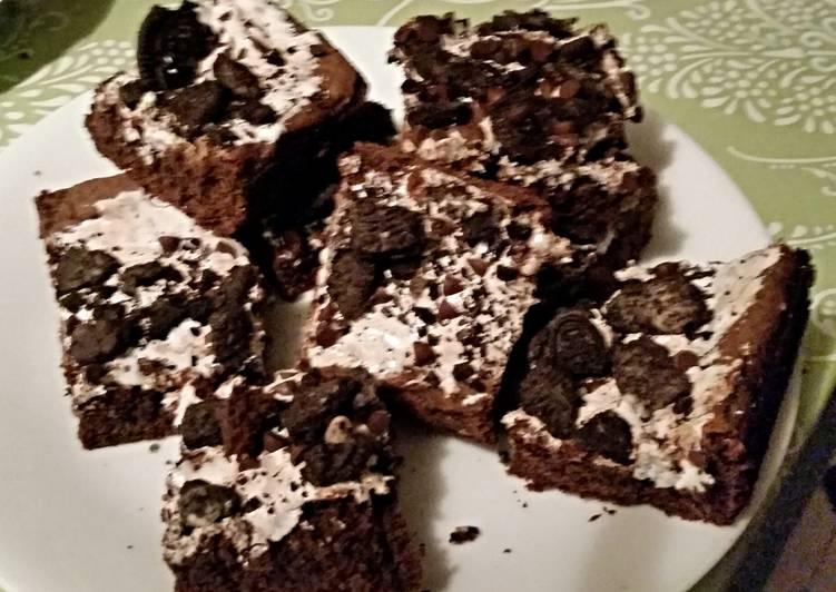 Easiest Way to Prepare Any-night-of-the-week Tinklee's Gooey Brownie Oreo Bars