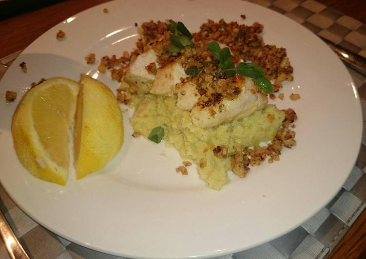 Chicken, leek puree & macadamia paste