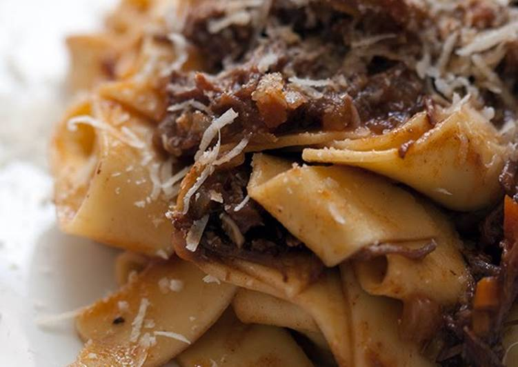 Tagliatelle with bolognese