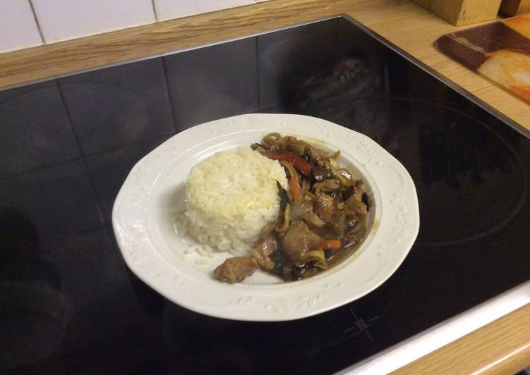 Stir Fried Pork with stir fried vegetables and white rice