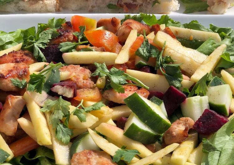 Grilled Chicken Apple Salad