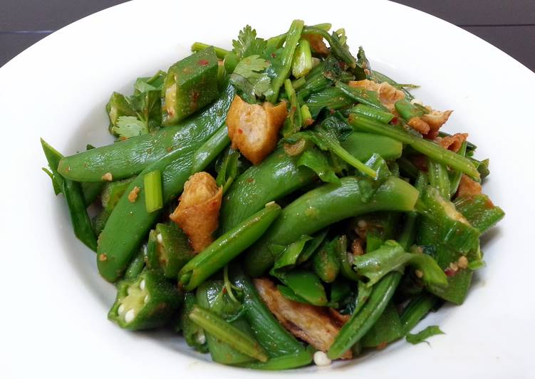 Spicy Spinach And Okra With Beancurd