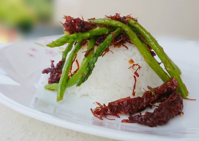 Asparagus With Sun Dried Tomato And Scallop XO Sauce