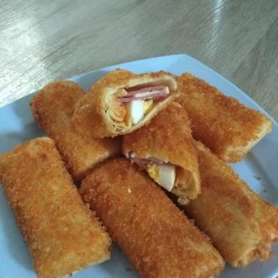 Resep Risoles Mayonaise Isi Smoked Beef Keju Telur Oleh Mamivanya Cookpad