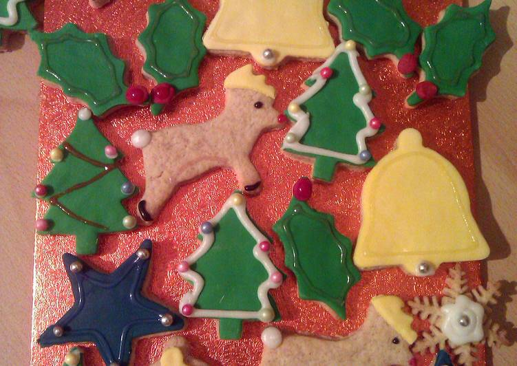 Vickys Spiced 'n' Iced Christmas Cookies
