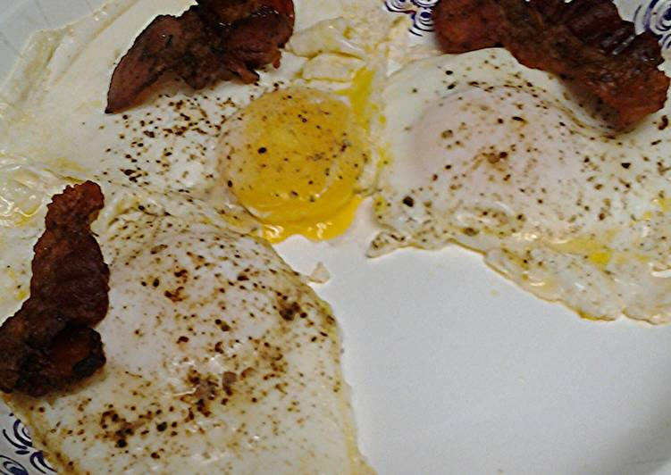 Easiest Way to Prepare Appetizing Cinnamon bacon and eggs