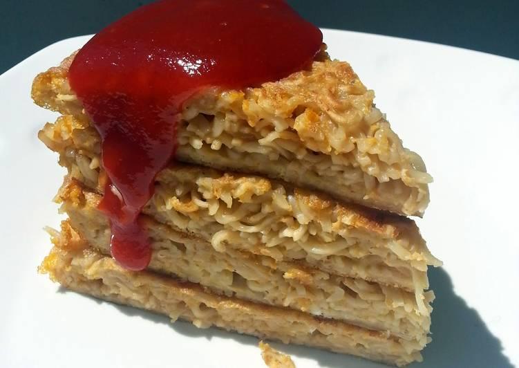 Recipe: Delicious Noodle Omelette 'CAKE'