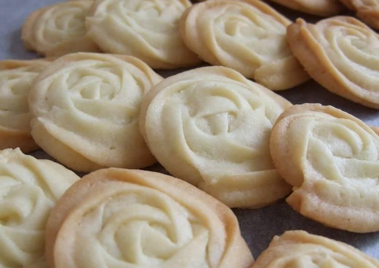Easy Rose Cookies