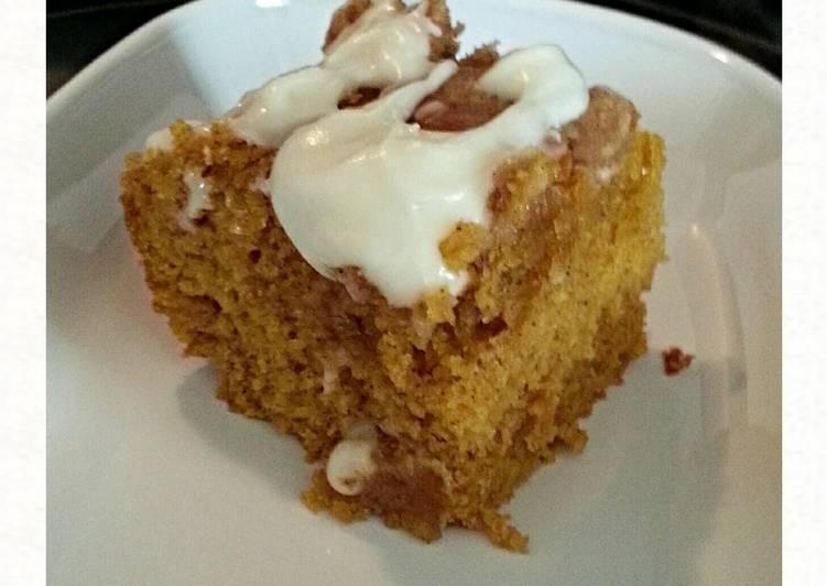 Tinklee's Fast & Easy Pumpkin Cake
