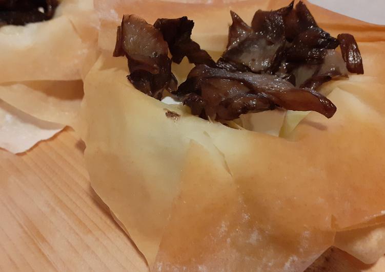 Semplici Modi Preparazioni Cestini Di Pasta Fillo Con Funghi E Formaggio Gustoso