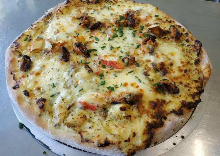 Pizza z owocami morza