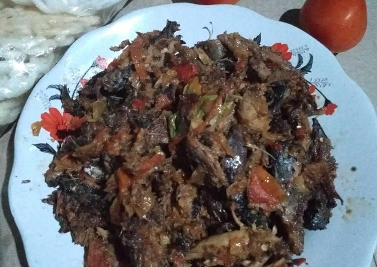Tongkol suwir bumbu pedaaaaas - cookandrecipe.com