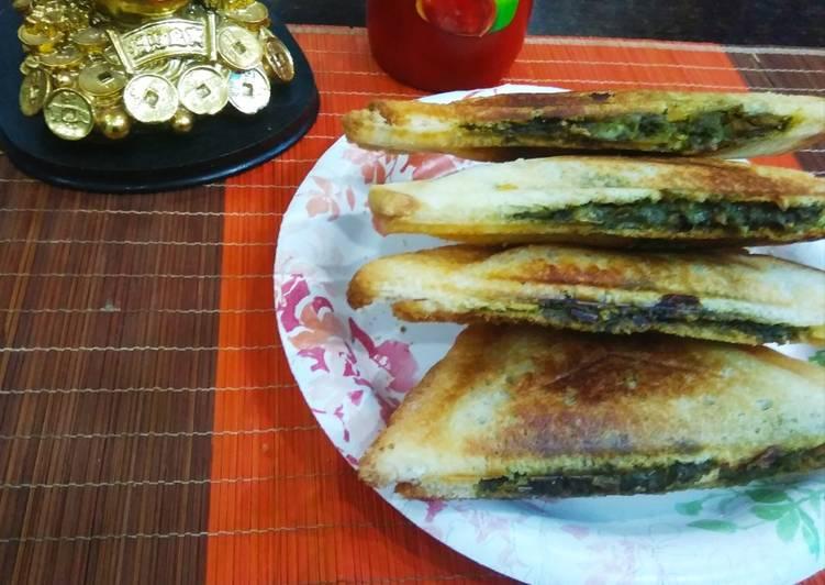 Cheezy Soya spinach mushroom sandwich
