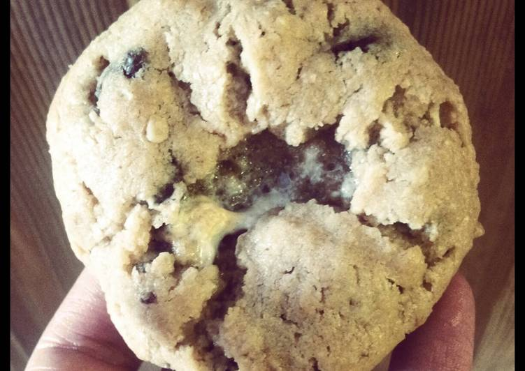 Steps to Prepare Any-night-of-the-week Oat meal and chocolatechip cookies