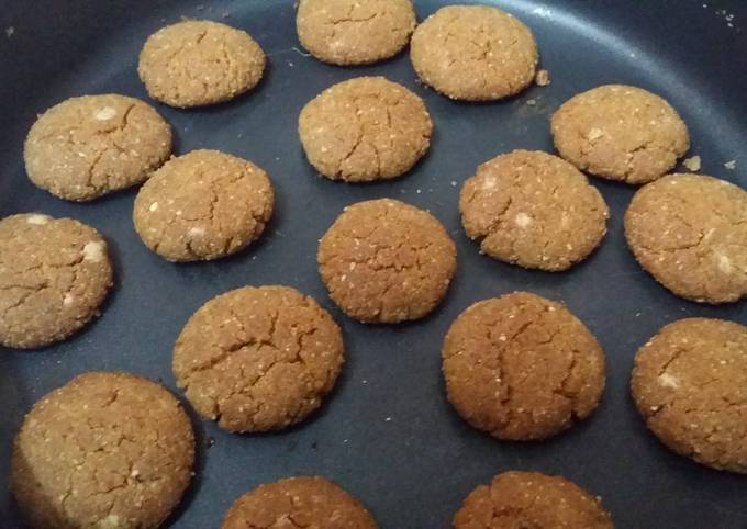 Chewy and Crunchy  Peanut Cookies