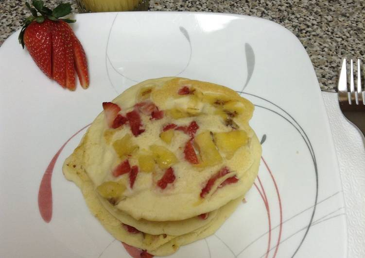 Wifeys Strawberry Banana Pancakes