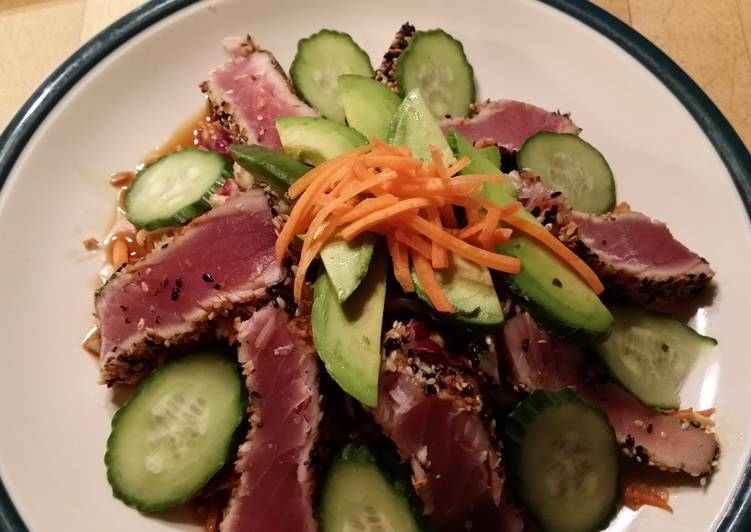 Sesame Crusted Seared Ahi Tuna Salad
