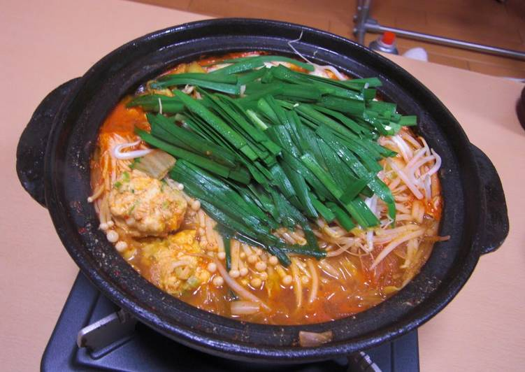 How to Prepare Favorite With Delicious Meatballs! Easy Kimchi Nabe (Hot Pot)