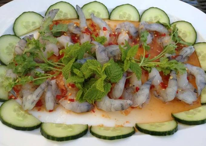 Recipe: Yummy Shrimp in spicy fish sauce and garlic chillies
