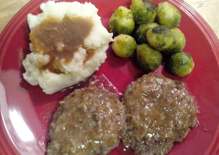 Salisbury steak and onion gravy
