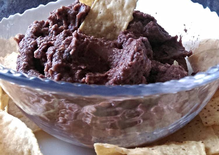 How to Cook Appetizing Healthy Black Bean And Garlic Dip