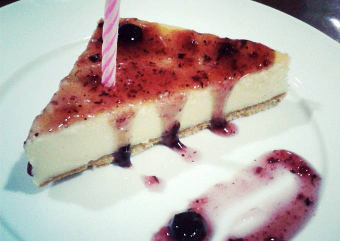 Simple Way to Prepare Award-winning Traditional Cheesecake with Crust and Blueberry Sauce