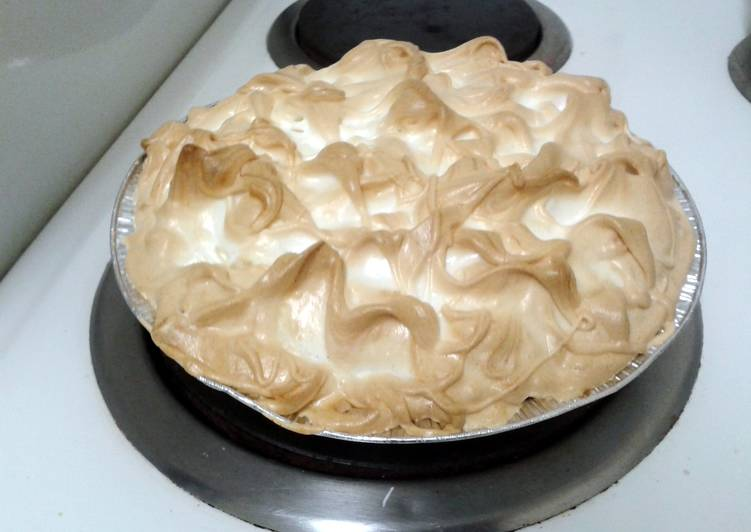 Recipe of Speedy Kerry's Easy as Pie Lemon Meringue