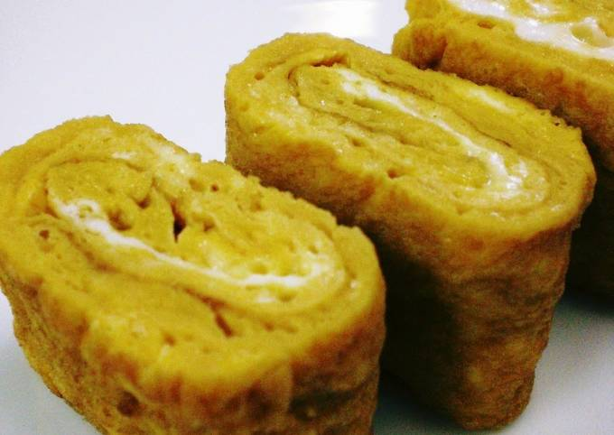 How to Prepare Perfect For Lunch Boxes! Tamagoyaki (Japanese Omelette) with Oyster Sauce and Mayonnaise