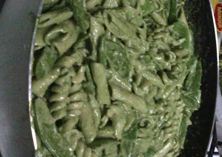 How to Cook Perfect fusilli with spinach and basil pesto and snow peas pasta