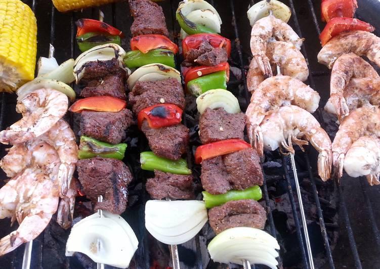 Cube steak and shrimp barbecue kebab