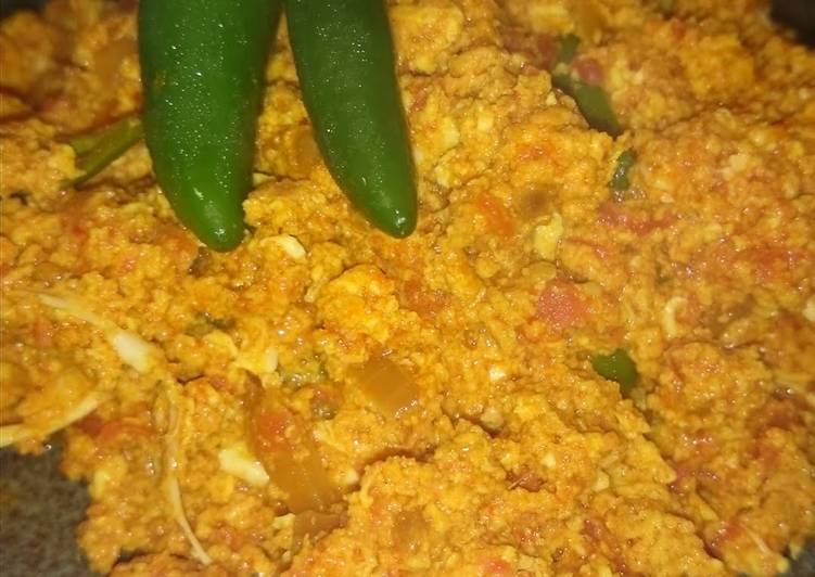Hot and spicy Indian scrambled egg chutney