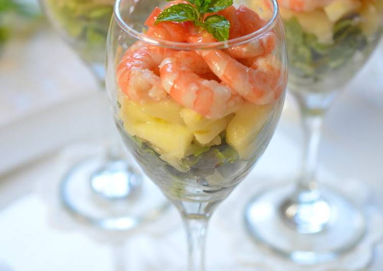 Step-by-Step Guide to Prepare Homemade For Doll's Festival: Tri-colored Shrimp Cocktail Salad