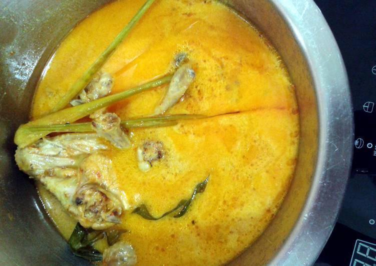 Malaysian Chicken Spicy Coconut Milk (Ayam Masak Lemak Cili Padi)