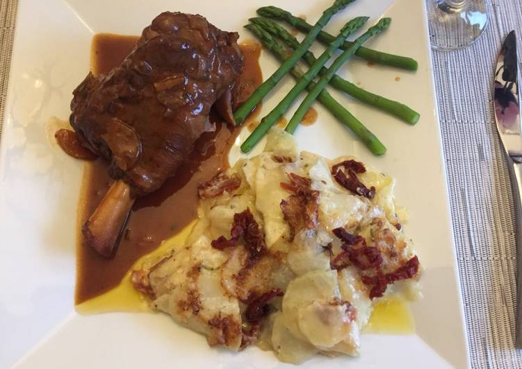Lamb Shank with Dauphinoise Potatoes & Asparagus