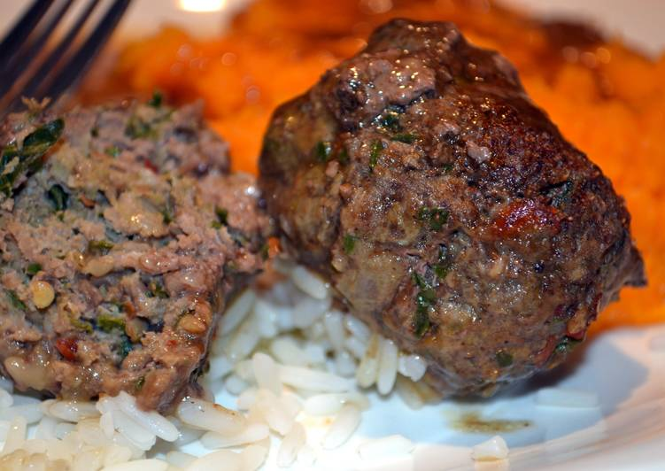 Juicy meatballs