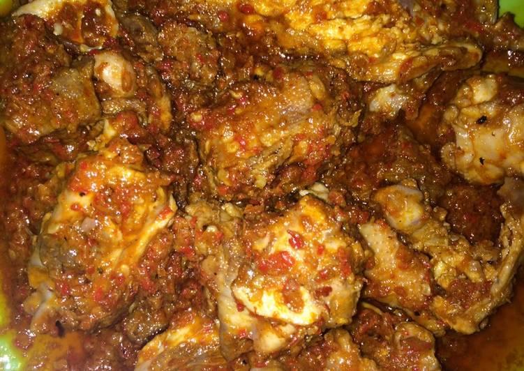 Daging dan Balungan ayam balado mercon