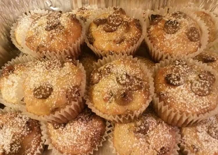 ~Shamrok's~ Chocolate Chip Banana Muffins