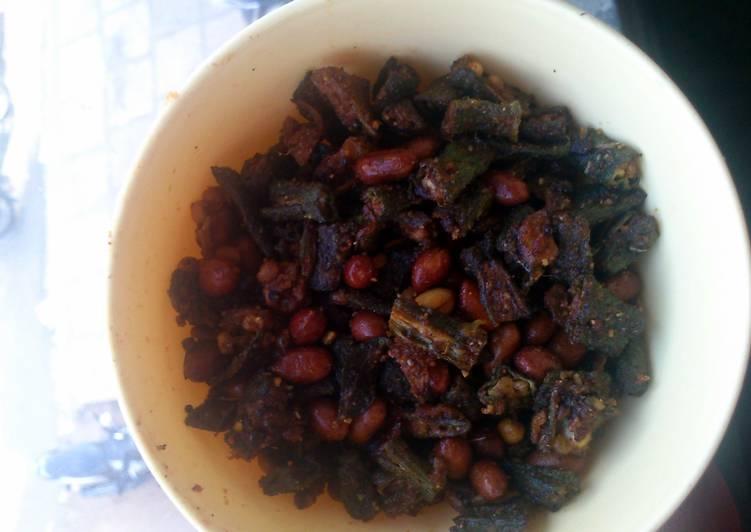 crispy fried okra with peanuts