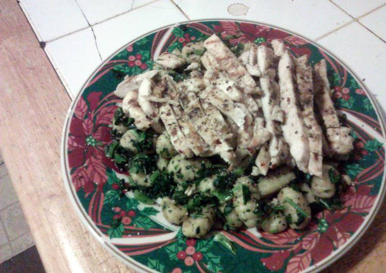 Gnocchi with greens n grilled chicken
