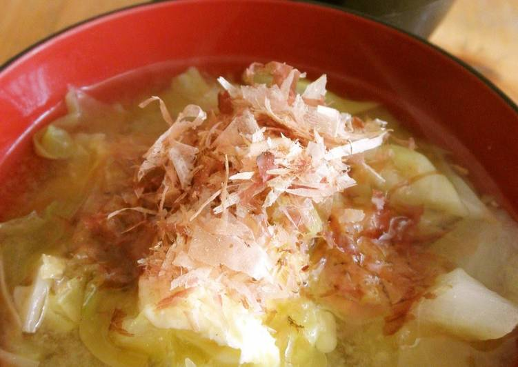 My Father's Recipe for Spring Cabbage Miso Soup