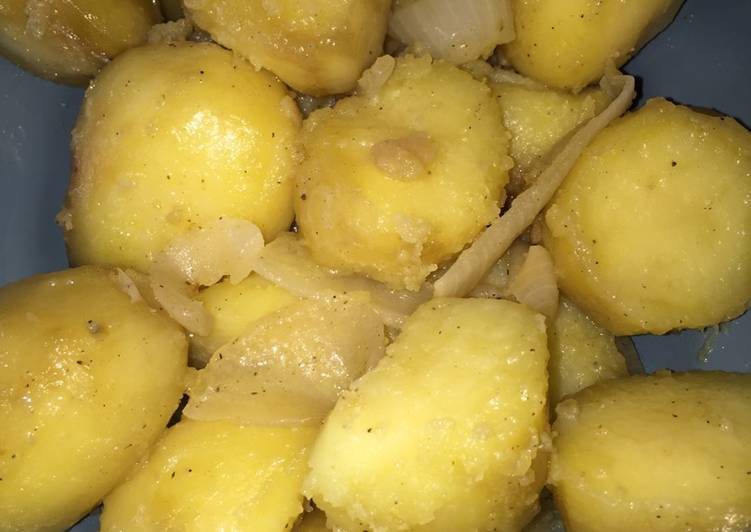 Crock Pot Onion & Potatoes