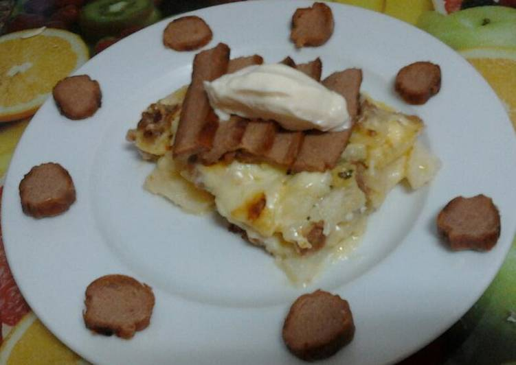 Ladybirds Garlic & Sausage Potato Bake