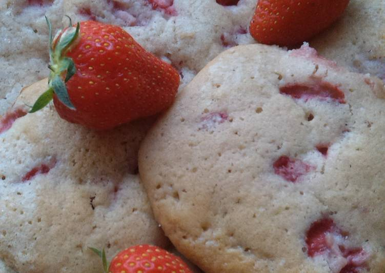 Vickys Strawberries & Cream Cookies, GF DF EF SF NF